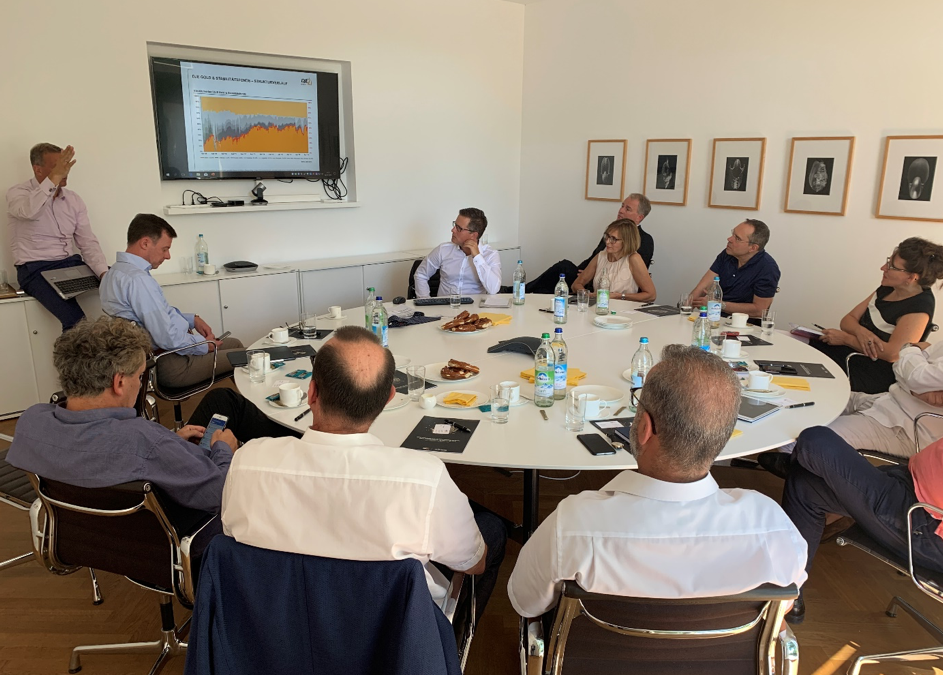 Diskussionsrunde mit Stefan Breitner der DJE Kapital AG